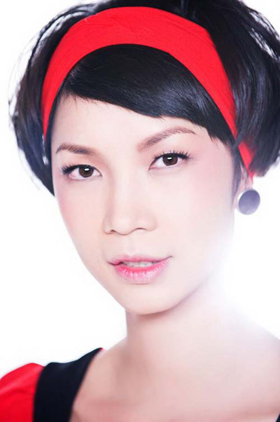 Kiểu tóc tém hợp nhất với những bạn gái khuôn mặt trái xoan, mặt dài. Khi sử dụng băng đô, bạn có thể sấy phồng phần tóc phía sau giống Xuân Lan để tạo cho khuôn mặt trông tròn hơn.