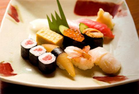 Những món sushi ngon miệng, bắt mắt tại Kimono.