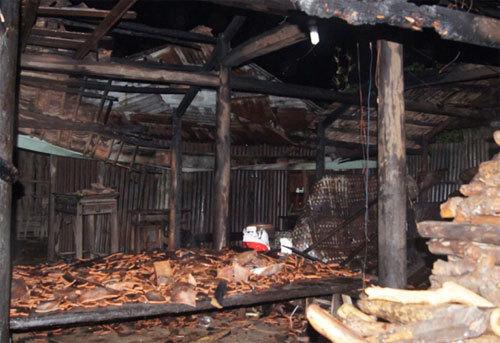 Căn nhà sau khi được lực lượng PCCC dập lửa.