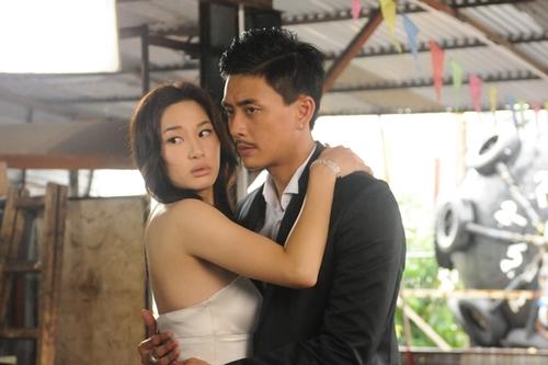 Huỳnh Tông Trạch cùng nữ diễn viên Từ Tử San có nhiều cảnh nóng bỏng trong phim.