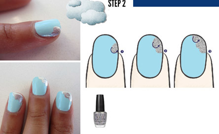 Bước 2: Vẽ họa tiết đám mây màu bạc vào góc trên bên phải móng tay