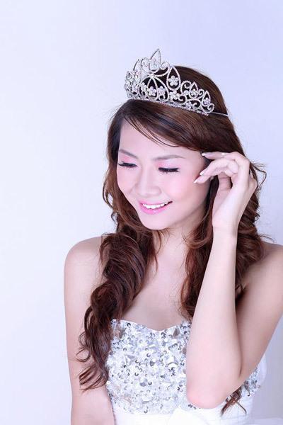 Năm 2010, Diễm My đã giành danh hiệu Á khôi Miss Ngôi Sao khi còn là học sinh lớp 12.