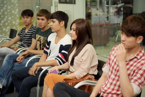 Bộ phim ngắn còn có sự góp mặt đặc biệt của các diễn viên nổi tiếng hiện nay như: Vân Trang, Thanh Thúy, Huỳnh Đông, Đại Nghĩa và nữ hoàng dancesport Khánh Thy&