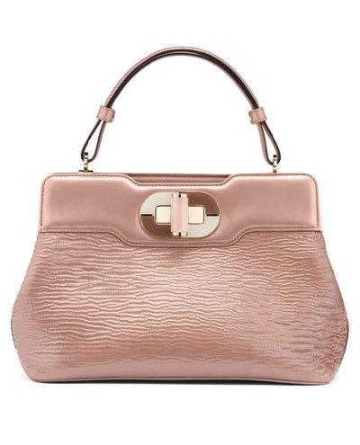 Mẫu túi IR màu hồng nhạt bằng da bê