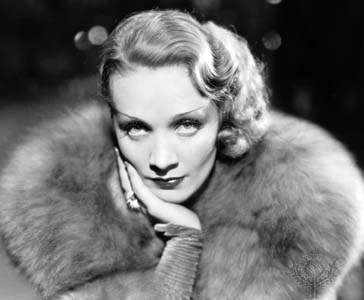 Marlene Dietrich, nữ diễn viên kiêm ca sĩ nổi tiếng những