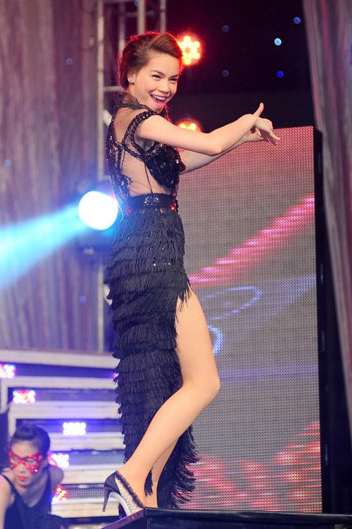 Nữ ca sĩ ngày càng xinh đẹp và cuốn hút.