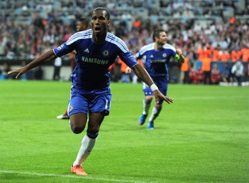 Drogba là người cân bằng tỷ số 1-1 cho Chelsea và cũng là người thực hiện quả 11m quyết định giúp Chelsea giành chiến thắng trước Bayern.