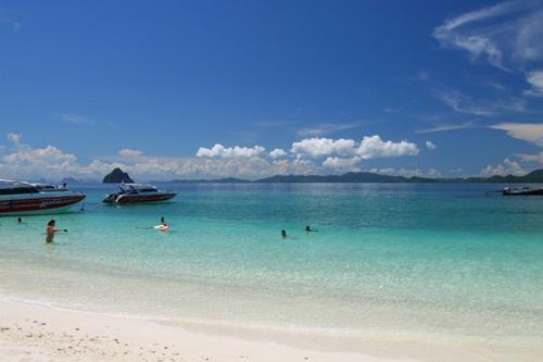 Những bãi biển trong xanh tuyệt đẹp ở Phuket.