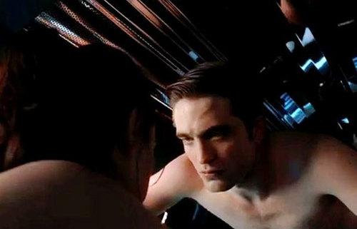 Bộ phim có nhiều cảnh nóng của Robert.