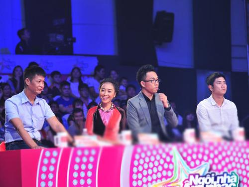 Bốn giám khảo của cuộc thi 'Ngôi nhà âm nhạc': Lê Hoàng, Đoan Trang, Nguyễn Hồng Thuận và Hồ Hoài Anh.