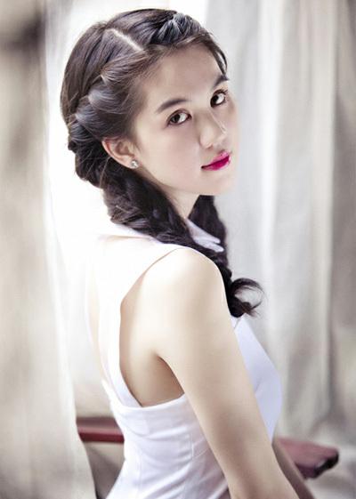 'Nữ hoàng nội y' Ngọc Trinh có thân hình hoàn hảo, làn da trắng mịn và khuôn mặt đáng yêu.