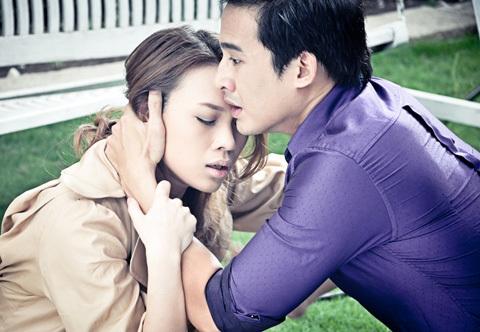 Diễn xuất của Mỹ Tâm và Lương Thế Thành trong MV dễ lấy nước mắt người xem.