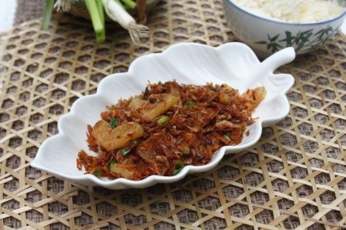 Món ăn thích hợp ăn với cơm trắng.