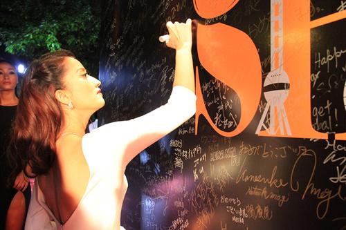 """Để chuẩn bị cho sự kiện này, giám khảo """"Bước nhảy hoàn vũ"""" đã nhờ nhà thiết kế Lý Quí Khánh"""