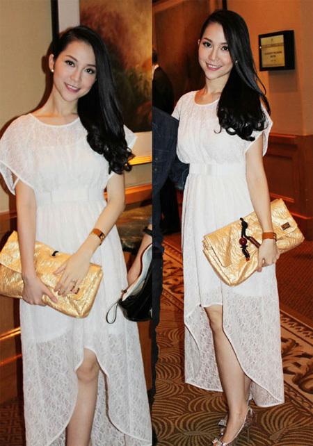Diễn viên múa Linh Nga đẹp tinh khôi trong chiếc váy trắng.