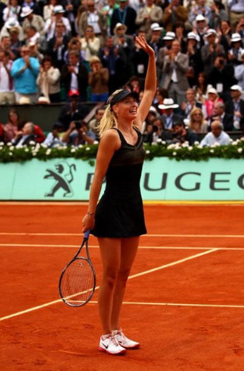 Sharapova tri ân người hâm mộ.