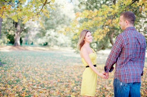 fall-engagement-pictures-499200-13682330