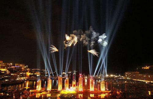Bữa tiệc pháo hoa, ánh sáng và âm nhạc hoàng tránh là những hình ảnh tuyệt đẹp, khép lại lễ cưới hoàng gia tốn kém nhất tại Monaco.