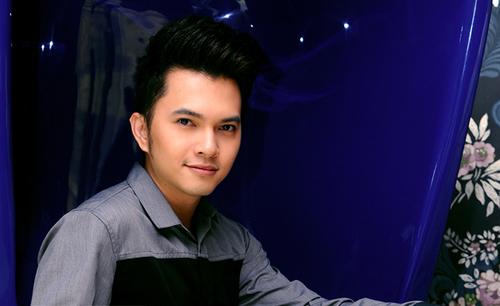 """Chàng ca sĩ """"Bay giữa ngân hà"""" được mời đến thưởng thức chương trình """"Music Bank"""" tại Hong Kong."""
