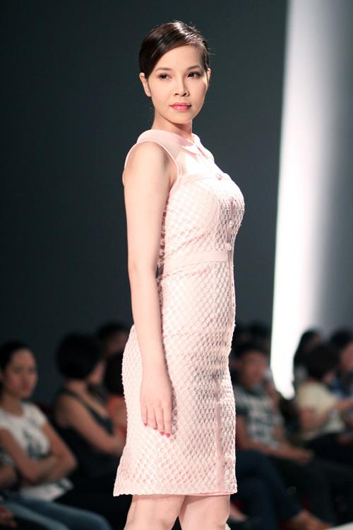 Giải vàng siêu mẫu 2009 Ngọc Bích.