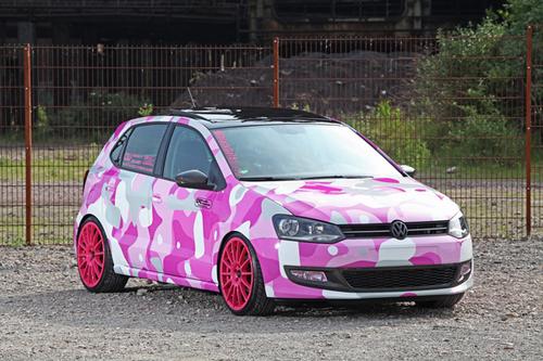 Volkswagen Polo trang điểm hoa văn