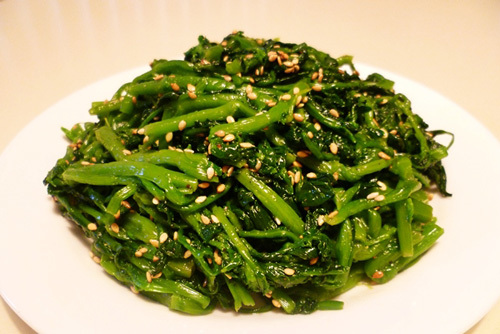 Hãy thử làm món trộn lạ miệng với hương thơm của dầu mè và vừng rang vàng có cách làm rất đơn giản.