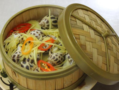 Ốc hương thơm ngon, được chế biến thành nhiều món ăn như ốc hương nướng, ốc hương hấp...