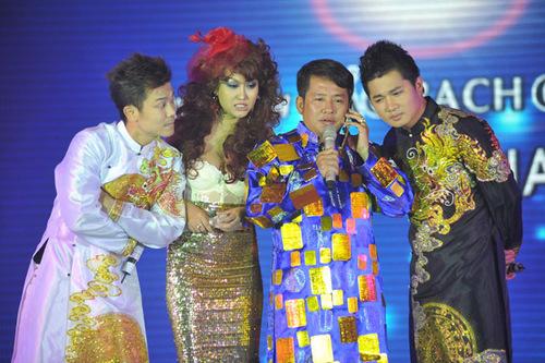 Phi Thanh Vân và diễn viên hài Tấn Beo cũng góp mặt trong một tiểu phẩm