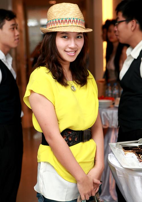 Ca sĩ Khánh Linh cũng từ Hà Nội vào dự