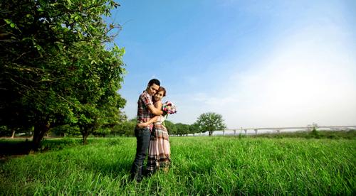 Vườn nhãn nằm trên khu vực bãi sông Hồng, gần cầu Vĩnh Tuy.