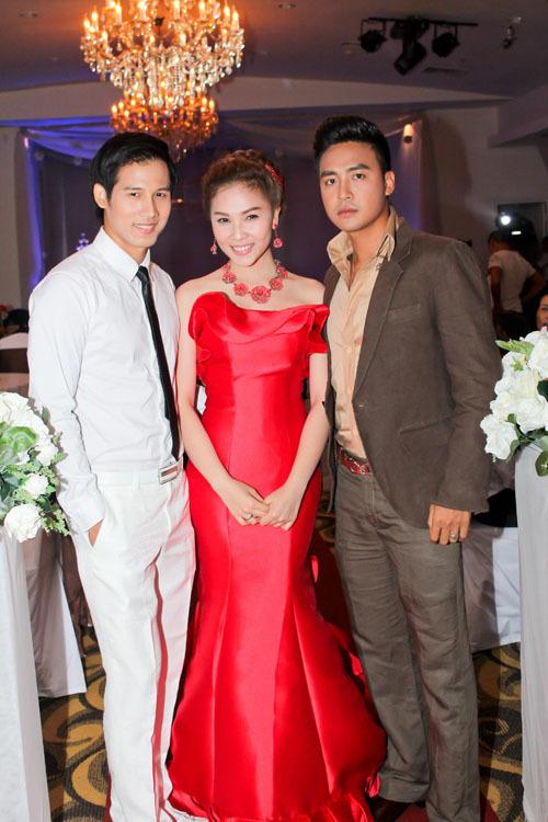 Phim còn có sự tham gia của diễn viên Thanh Duy (phải), từng được biết đến qua bộ phim nhựa 'Cảm hứng hoàn hảo' và một số vở kịch tại sân khấu Hồng Vân.