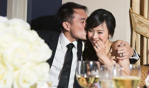 Chia sẻ về đêm tân hôn để nhận quà trị giá 10 triệu đồng. Ảnh: DPark.