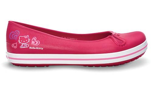Crocband Flat Hello Kitty Asia giá 995.000 đồng.