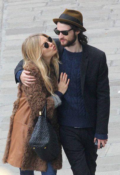 Sienna Miller và chồng sắp cưới