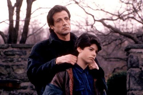 """Sage Stallone và bố trong phim """"Rocky V""""."""
