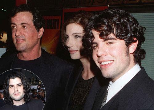 Sage Stallone cùng bố và mẹ.