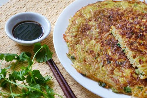 Vị ngọt bùi của rau củ, thêm vị ngon và thơm của trứng, của hành bạn sẽ có thêm một món ăn không những ngon miệng, đẹp mắt mà lại còn nhiều chất cho thực đơn bữa cơm hàng ngày.