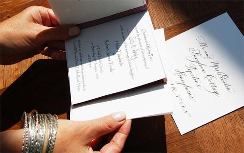 Thời điểm vàng khi gửi thiệp cưới
