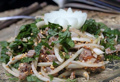 Món gỏi thịt bò là một món ăn thích hợp cho những ngày hè nóng nực.