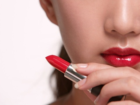 tips-to-apply-lipstick-427894-1368324103