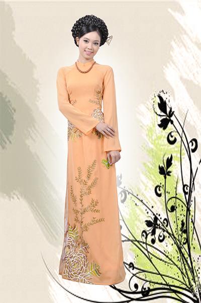 Bộ ảnh được thực hiện với trang phục và make-up: nhà thiết kế Việt Hùng, stylist Hoàng Việt.
