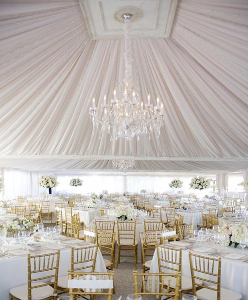 Lều vải mềm mại cho đám cưới ngoài trời