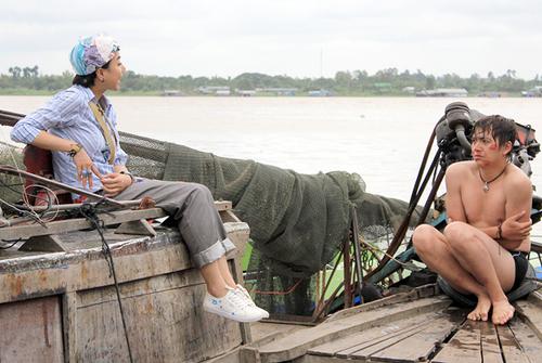 """Trong phim, Đinh Ngọc Diệp có chuyện tình hài hước với """"chàng bóng"""" Ẽo Ợt (Ngô Kiến Huy thủ vai)."""