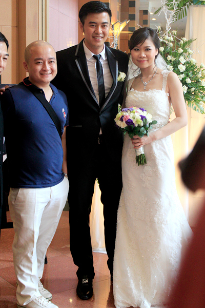 """Nhà thiết kế Cao Minh Tiến, bạn thân của anh em Tuấn Tú - Phan Anh. Anh cũng chính là người thực hiện bộ ảnh cưới của vợ chồng MC """"Chiếc nón kỳ diệu""""."""