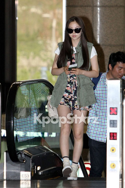 24236-wonder-girls-sohee-leaving-gimpo-a