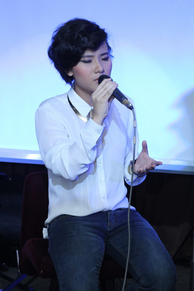 Bên cạnh đó, Tiên Cookie còn là một giọng ca khá nổi trên mạng với các bài hát do cô tự sáng