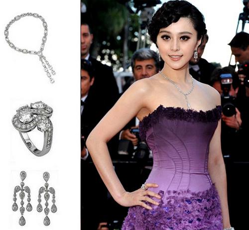 Bộ váy tím của 'nàng Bạch Tuyết' càng nổi bật hơn khi mix cùng trang sức kim cương.