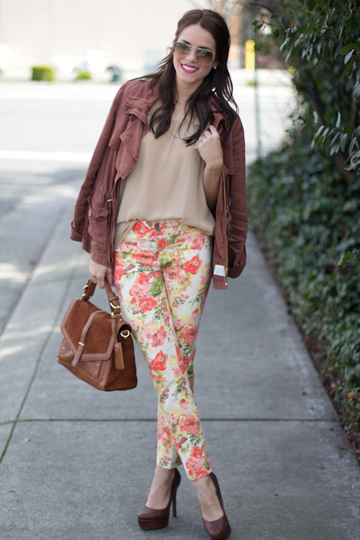 gal-meets-glam-floral-jeans1-235417-1376