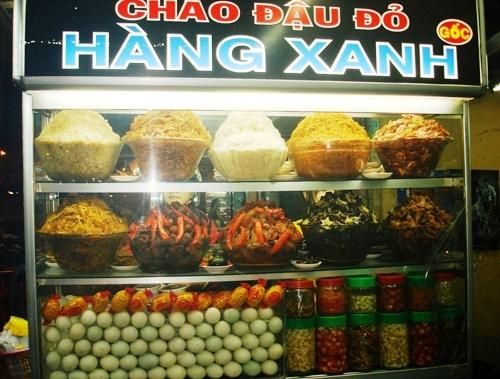 Cháo trắng Hàng Xanh đã trở nên nổi tiếng, trở thành món ăn đêm được nhiều người ưa thích ở Sài Gòn.