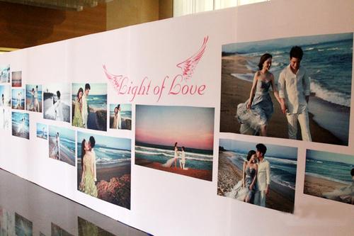Backdrop lãng mạn trong tiệc cưới của ca sĩ Lý Tiểu Lộ.